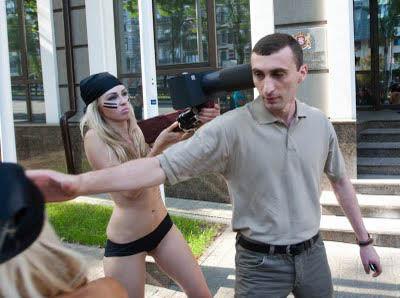 ukrainian-femen-topless-protesters-50
