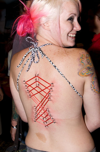 girls_overly_obsessed_with_body_modification_10