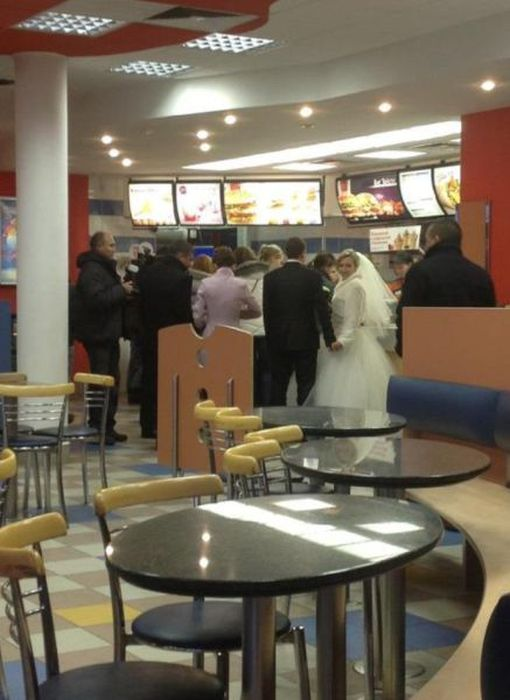 some_of_the_strangest_things_seen_at_mcdonalds_24