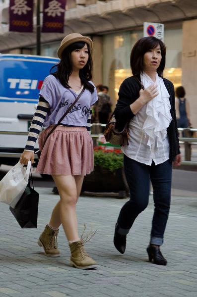 strange_japanese_womens_fashion_640_02