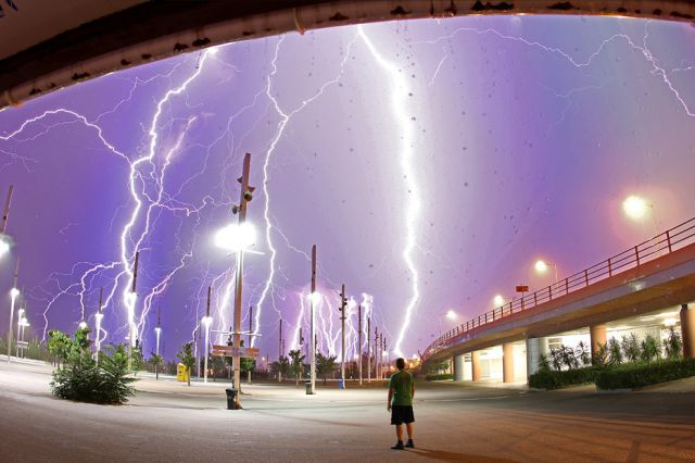 when_lightning_strikes_640_31