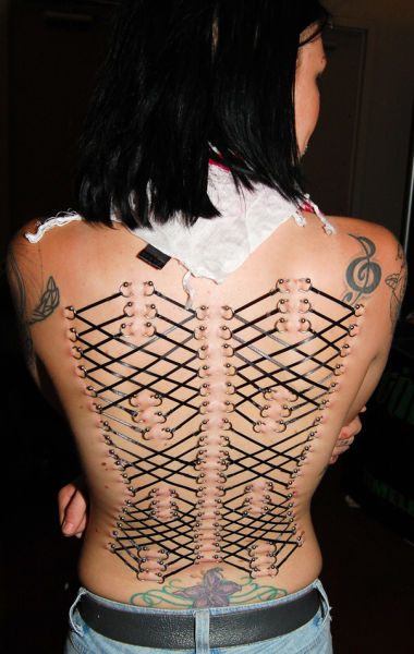 girls_overly_obsessed_with_body_modification_01