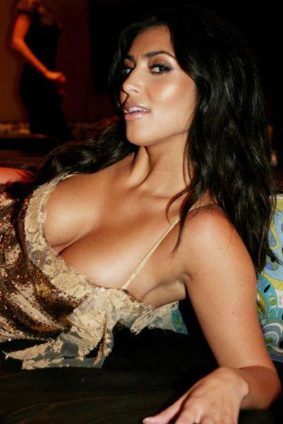 kim_kardashians_most_revealing_pictures_640_22