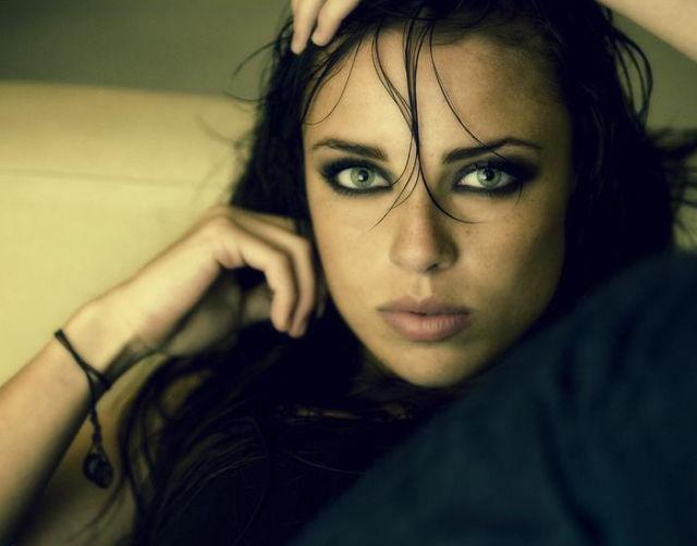 gorgeous_female_eyes_640_14