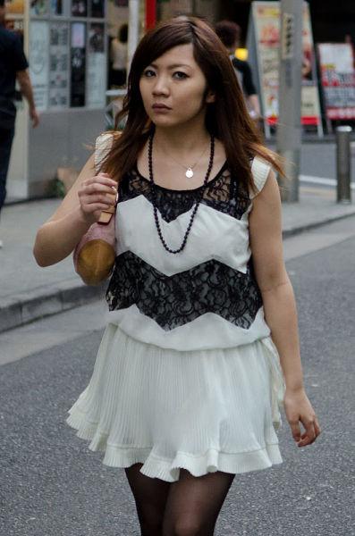 strange_japanese_womens_fashion_640_53
