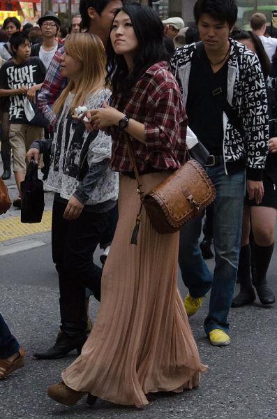 strange_japanese_womens_fashion_640_14