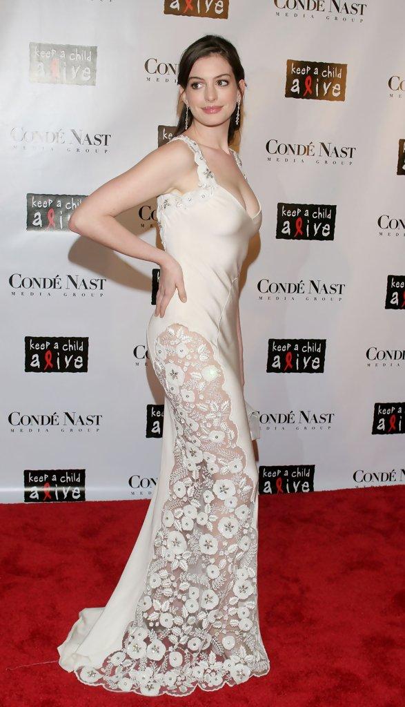 Anne+Hathaway+The+Black+Ball+TlynWkTjxfxx