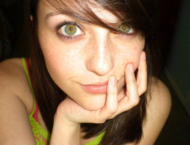 gorgeous_female_eyes_640_01