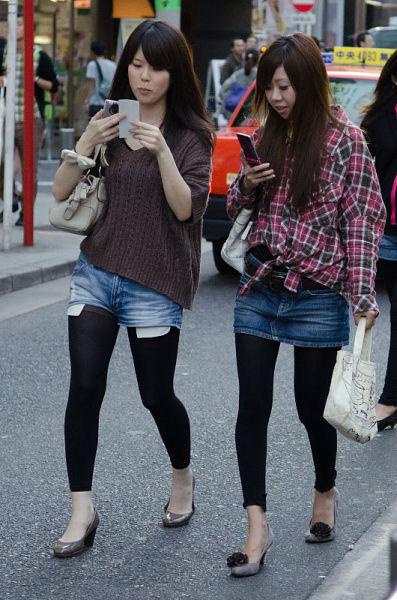 strange_japanese_womens_fashion_640_37