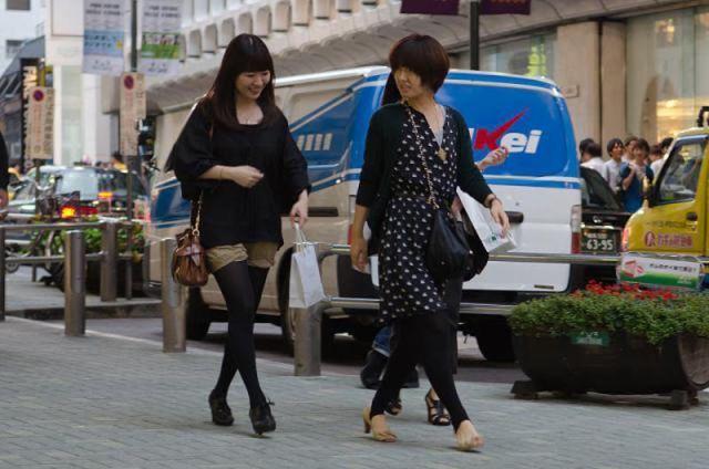 strange_japanese_womens_fashion_640_42